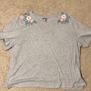 H&M tshirt with flower shoulders